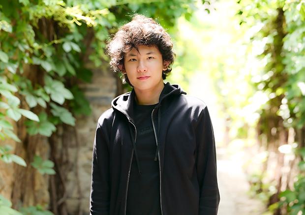 Tony Siqi Yun, piano